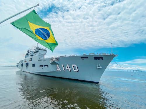 phm_atlantico_desatraca_do_arsenal_de_marinha_no_rj_para_aspirantexweb